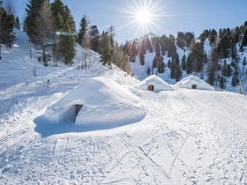 Mountain iglu - sleepin in an igloo