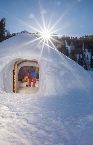 mountain iglu sleepin in an igloo hotel gallhaus valle aurina s dtirol alto adige. Black Bedroom Furniture Sets. Home Design Ideas